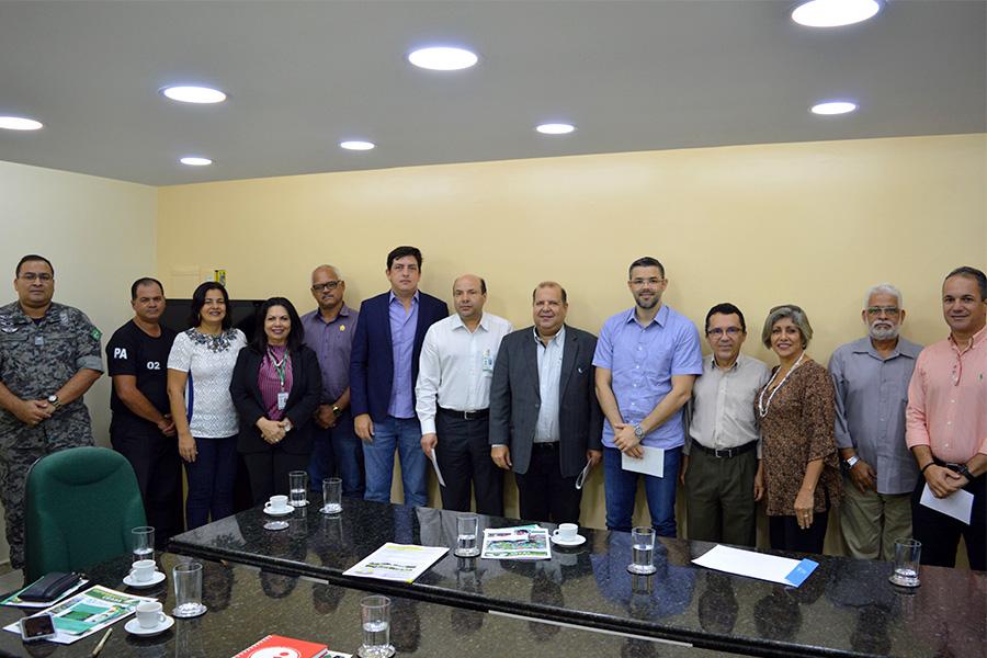 Presidente do Ceasa recebe representantes da ACIMA