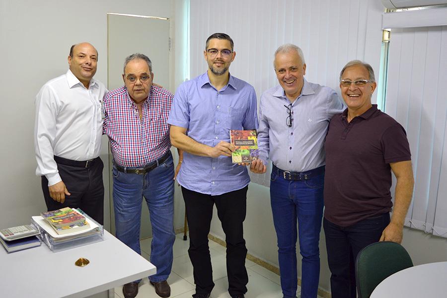Gustavo Melo recebe presidente do Ceasa-ES