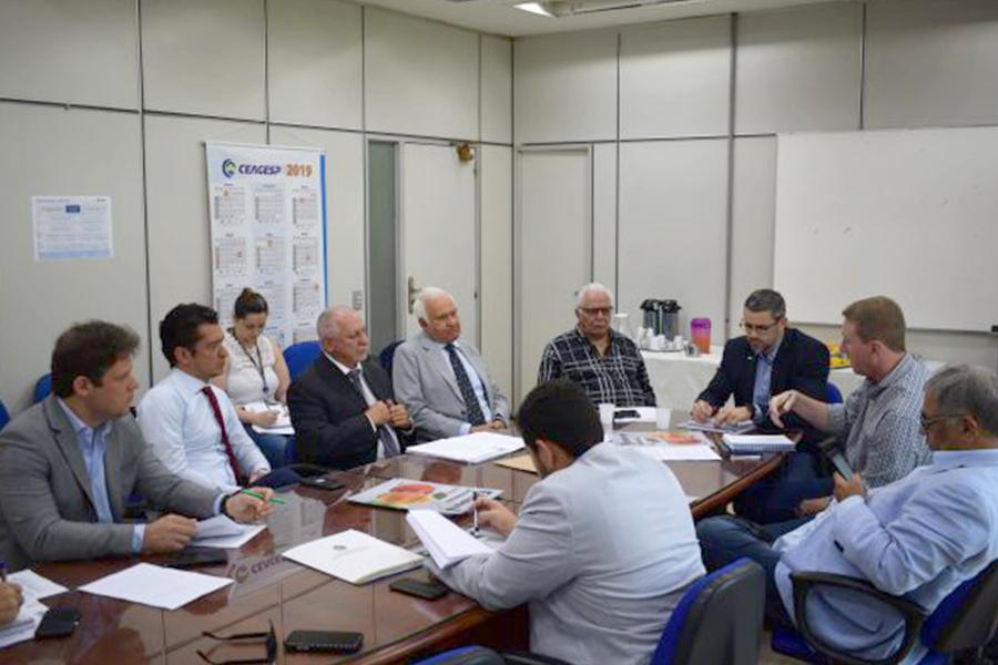 Reunião na CEAGESP discute PLC 59/2015