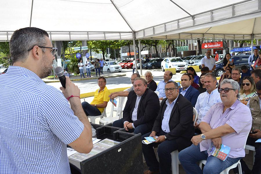 Presidente do Ceasa lança primeira edição da Cartilha de Segurança Comunitária