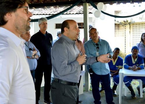 Funcionários do Setor de Limpeza do Ceasa comemoram o Dia do Gari