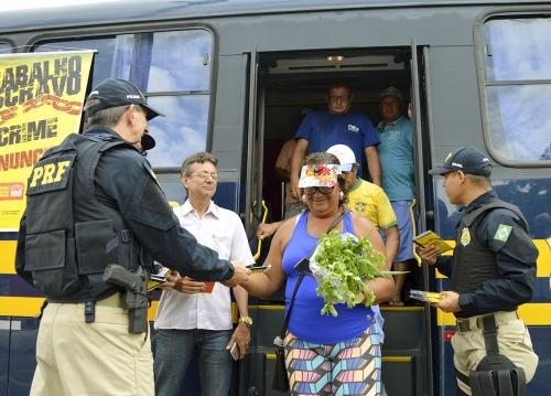 Ceasa, MPT e PRF realizam ação de combate ao trabalho escravo