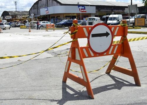Placas de concreto das vias internas do Ceasa estão sendo substituídas