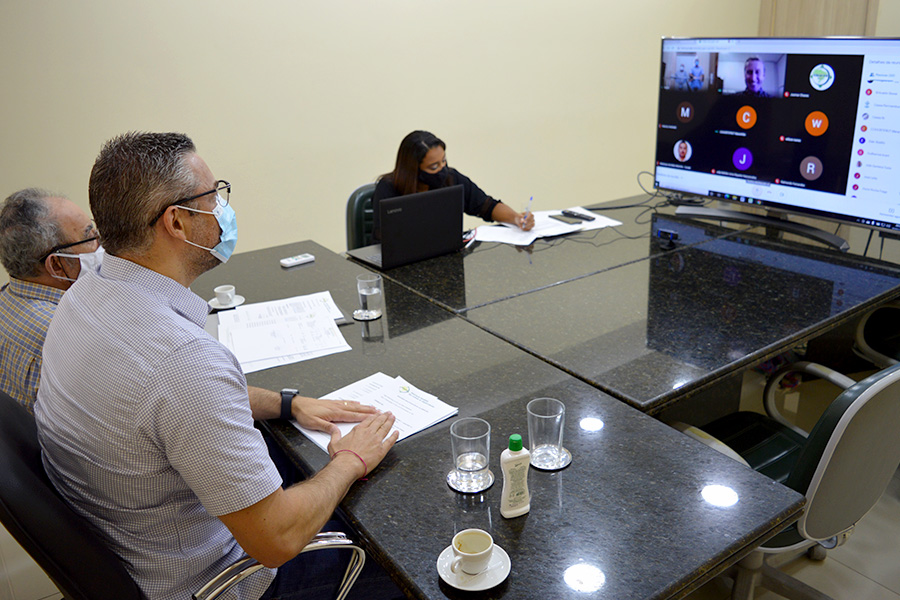 Gustavo Melo é reconduzido à presidência da ABRACEN