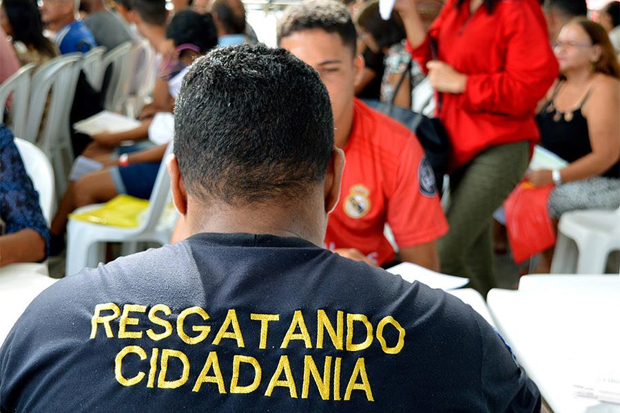 DPCA orienta permissionários e consumidores do Ceasa
